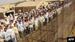 معتقلون في سجن ابو غريب