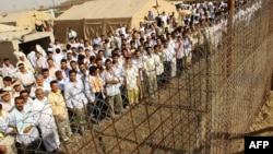 Prisoners in two Iraq jails say they have had to endure brutal conditions since a mass breakout last year. (file photo)