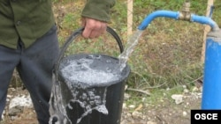 В конфликтном регионе вот уже несколько лет бесперебойное водоснабжение является роскошью