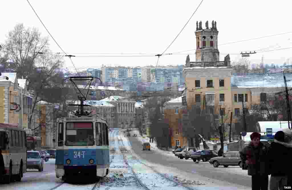 The city of Zlatoust in December 2007