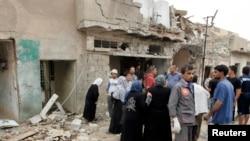 Banorët janë mbledhur në vendin e shpërthimit të bombës në Kirkuk
