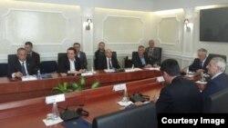 Pamje nga fillimi i takimit në Kuvendin e Kosovës