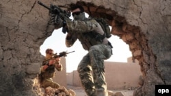 Afghanistan -- Australian Special Operations Task Group (SOTG) soldiers on patrol in Uruzgan province, 18Nov2010