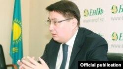 Руслан Ерденаев, до объявленного в январе 2017 года задержания по подозрению в хищениях председатель правления Единого накопительного пенсионного фонда (ЕНПФ) Казахстана.