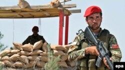 """Жаздан бери """"Талибан"""" кыймылы негизги провинцияларда террордук акттарды уюштуруусун улантып, бир нече райондорду ээлеп алышты."""