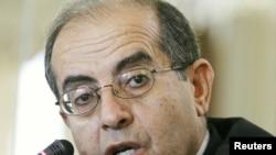 Махмуд Джибриль на пресс-конференции в Брюсселе, 13 июля 2011 г.