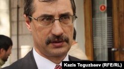 Адам құқықтарының Қазақстан бюросының басшысы Евгений Жовтис. Алматы, 26 наурыз 2013 жыл.