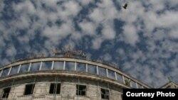Гостиница «Абхазия» в Сухуме продана десять лет назад российской фирме, и до сих пор на ней не начаты работы