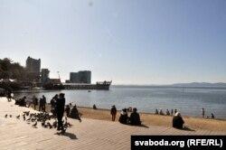 Владивосток - один из самых тёплых городов России, он размещён на георграфической широте Сочи