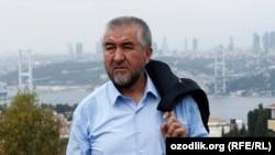 Узбекский писатель Нурилло Отаханов (творческий псевдоним Нуруллох Мухаммад Рауфхон).