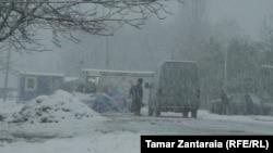 Ситуация в Аджарии и некоторых горных районах Грузии кроме тяжелой обстановки на дорогах осложнена авариями на линиях электропередач из-за сильных ветров и низкой температуры