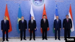 Prezident Putin 24-nji iýunda Daşkentde Hytaýyň prezidenti Si Jinping bilen bile ŞHG sammitine gatnaşdy.