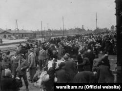 Прибуття нового етапу в'язнів до Аушвіцу-Біркенау. 26 травня 1944 року