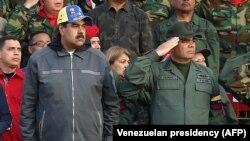 Predsjedik Venecuele Nikola Maduro (lijevo) i ministar odbrane Vladimir Padrino (desno), Karakas