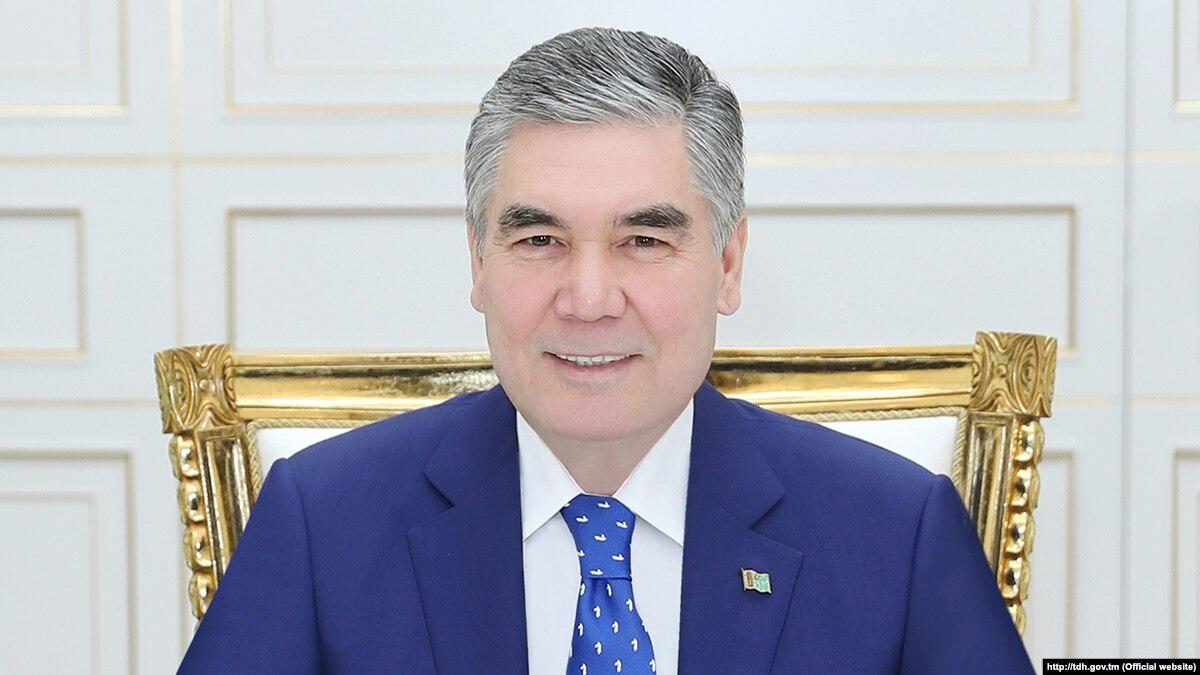 В Туркменистане чиновников старше 40 лет обязали стать седыми, как президент