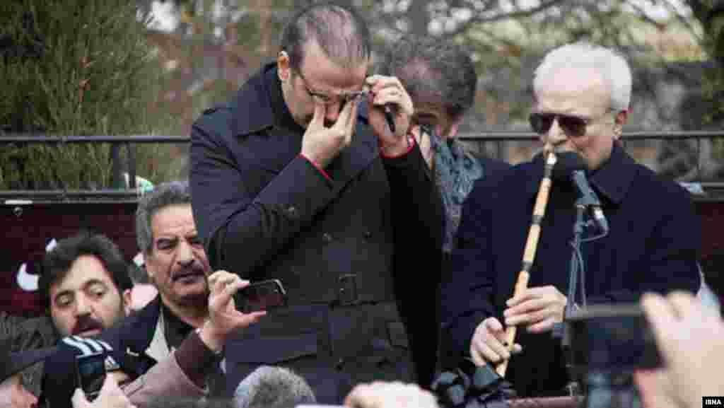 علیرضا قربانی و محمد موسوی درمراسم تشییع استاد همایون خرم