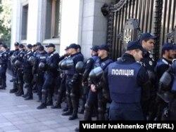 Полиция охраняет здание Верховной Рады