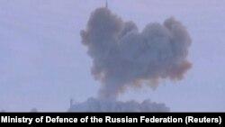 این تصویر به تاریخ ۲۶ دسمبر ۲۰۱۸ از سوی وزارت دفاع روسیه نشر شده که آزمایش راکت جدید هایپرسونیک نوع اوانگارد را نشان میدهد.