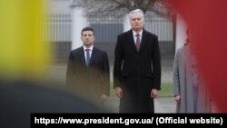 Президенти України та Литви Володимир Зеленський (л) та Ґітанас Науседа, Вільнюс, 27 листопада 2019 року