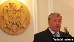 Ministrul învățămîntului Leonid Bujor