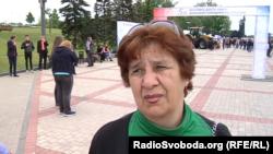Жінка вдячна ватажкам бойовиків за організацію свят