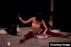 """Elza Furtado """"ADO"""" teatrda tamaşa zamanı"""