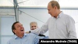 Герхард Шредер и Владимир Путин