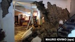 Իշիա կղզում երկրաշարժից ավերված հյուրանոց, 21-ը օգոստոսի, 2017թ.