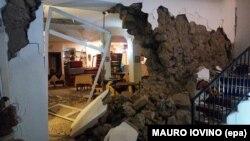 Разрушенная в результате замлетрясения гостиница на острове Искья, 21 августа 2017 г.