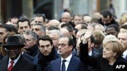 Pamje nga marshimi i 11 janarit