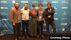 Архивска фотографија- екипата кој стои зад Медена земја на фестивалот Санденс