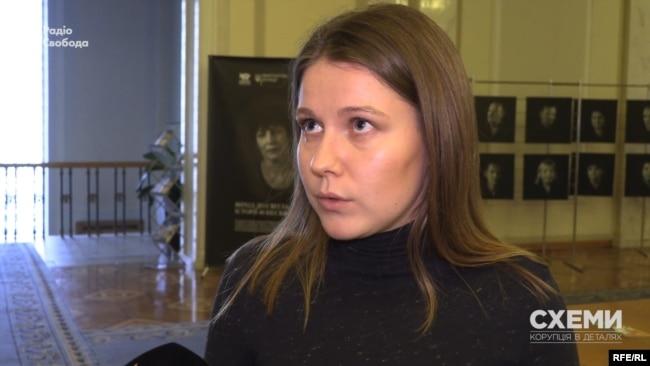 Деякі народні депутати продовжують стверджувати, що їм оплатили подорож в Давос різні партнерські організації – зокрема, Марина Бардіна
