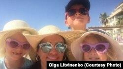 Ольга Литвиненко с детьми