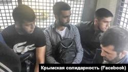 Крымские татары, задержанные возле здания Верховного суда России. Москва, 11 июля 2019 года