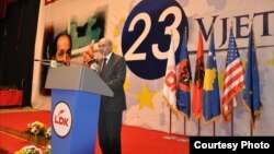 Kryetari i LDK-së dhe kryeministri, Isa Mustafa - Arkiv