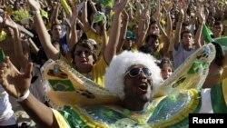 Navijači brazilske reprezentacije slave jednu od fudbalskih pobjeda