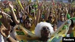 Бразильские болельщики всегда верят в свою команду
