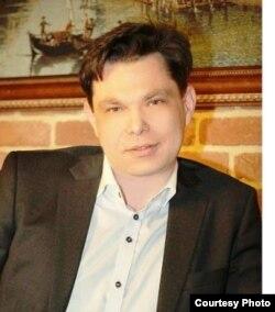 Александр Сердобинцев