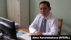Ербол Шайхиев, заместитель генерального директора по научно-клинической работе института имени Сызганова. Алматы, 14 августа 2013 года.