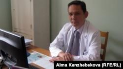 Ербол Шайхиев, заместитель генерального директора центра хирургии имени Сызганова. Алматы, 14 августа 2013 года.