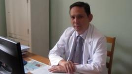 Сызғанов атындағы хирургия орталығы бас директорының ғылыми-клиникалық жұмыс жөніндегі орынбасары Ербол Шайхиев.