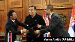 Trojica ministara nakon potpisivanja sporazuma, 30. juli 2010
