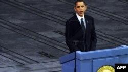 Президент США Барак Обама во время церемонии вручения Нобелевской премии.