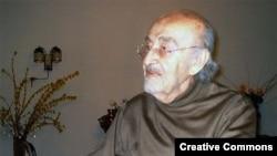 احمد صدر حاج سید جوادی عضو شورای انقلاب، وزیر کشور و دادگستری و نیز نماینده دور اول مجلس بوده است.