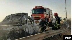 Через вогонь, відкритий іранськими силовиками, автомобіль загорівся