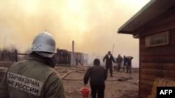 Aksion nga shuarja e zjarreve në jug të Siberisë, 12 prill 2015