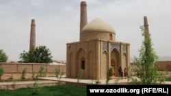 Navoi mausoleum - Hirat - Afghanistan