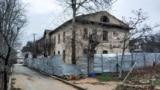 На месте признанного аварийным дома №6 по улице Цыбулько построят многоэтажку, жильцы уже расселены