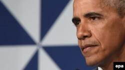 АКШ президенти Барак Обама Варшавадагы НАТОнун саммитинде сөз сүйлөп жатат. Польша, 2016.