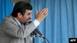 Махмуд Ахмадинежад, 12 апреля 2012
